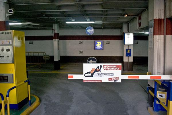 Publicidad en Parkings Barrera Miguel Agrícola