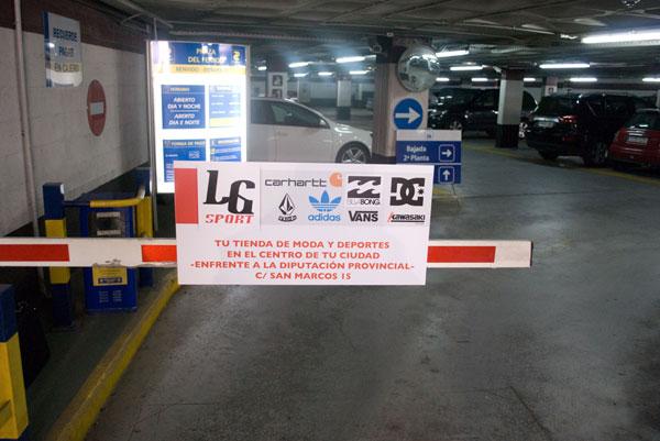 Publicidad en Parkings Barrera LG Sport